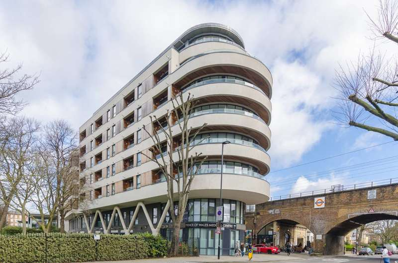 2 Bedrooms Flat for sale in Prince of Wales Road, Camden, NW5