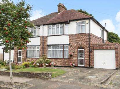 3 Bedrooms Semi Detached House for sale in Grange Road, Crofton, Orpington, Kent
