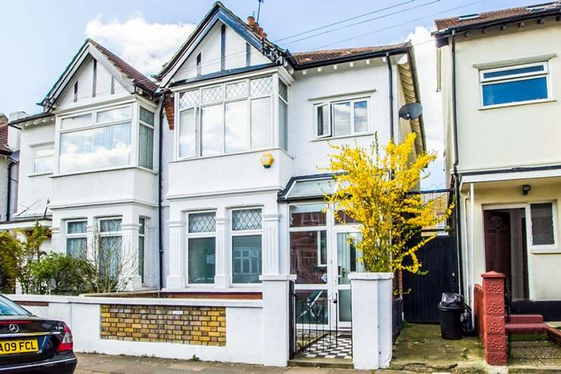 3 Bedrooms Semi Detached House for sale in Crowborough Road, Tooting Bec, London, SW17