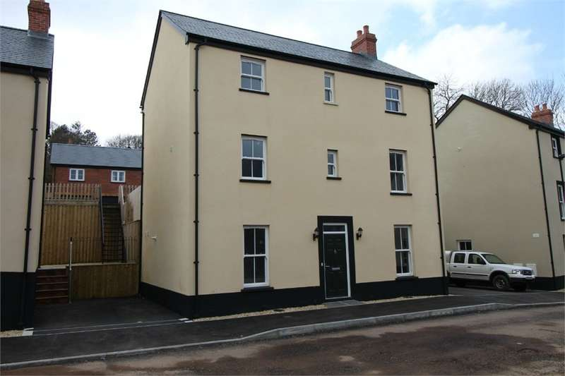 4 Bedrooms Detached House for sale in Woodland View, Blaenavon, PONTYPOOL, NP4