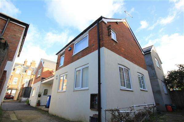 2 Bedrooms Semi Detached House for sale in Ashley Road, Poole