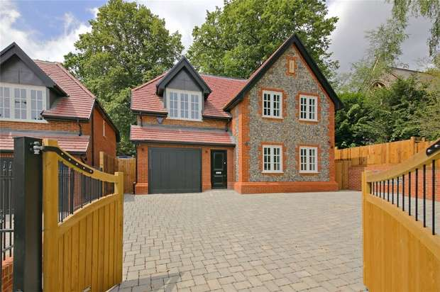 3 Bedrooms Detached House for sale in 154 Watling Street, Radlett, Hertfordshire