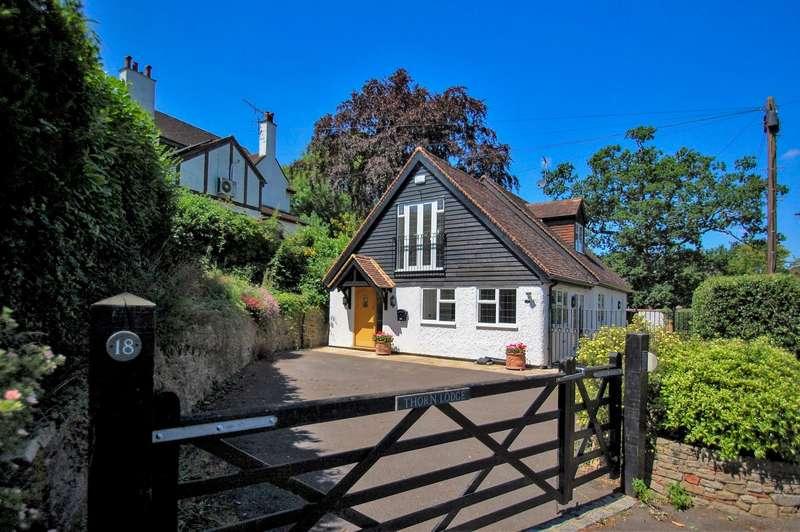 3 Bedrooms Detached Bungalow for sale in Woodlands, Gerrards Cross, SL9