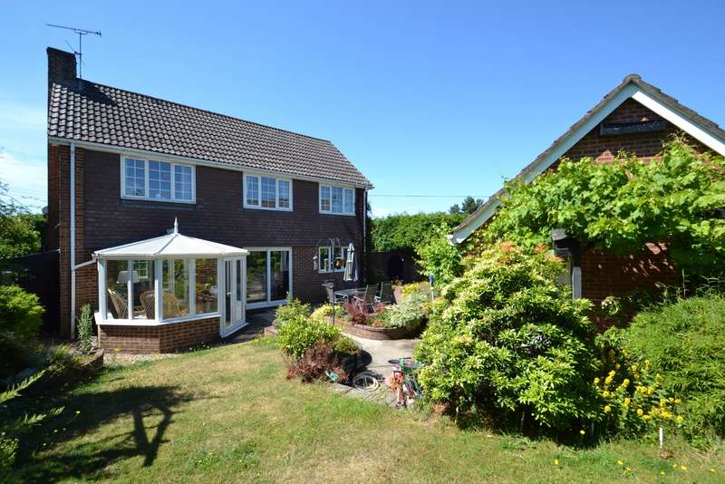3 Bedrooms Detached House for sale in Lytchett Matravers