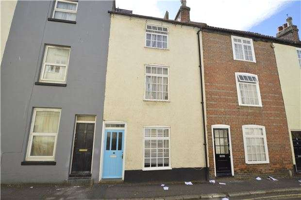 3 Bedrooms Terraced House for sale in Russell Street, HASTINGS, East Sussex, TN34 1QU