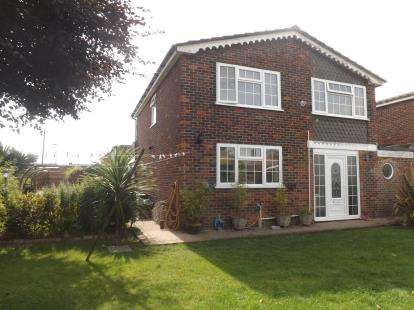 4 Bedrooms Link Detached House for sale in Park Gate, Southampton, Hampshire