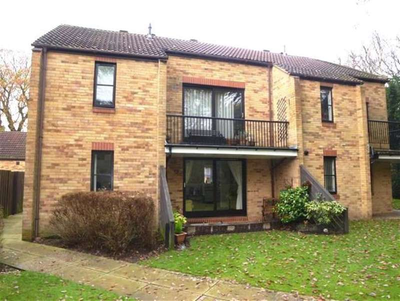 2 Bedrooms Retirement Property for sale in Ireland Crescent, Cookridge, LS16