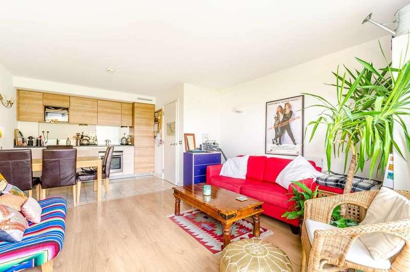 1 Bedroom Flat for sale in John Harrison Way, Greenwich Millennium Village, SE10