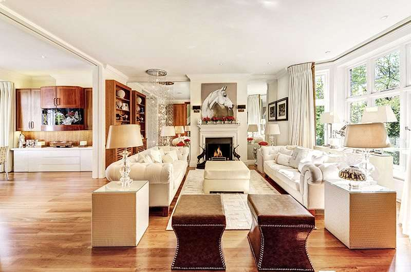 5 Bedrooms Flat for sale in Victoria Road, London, W8