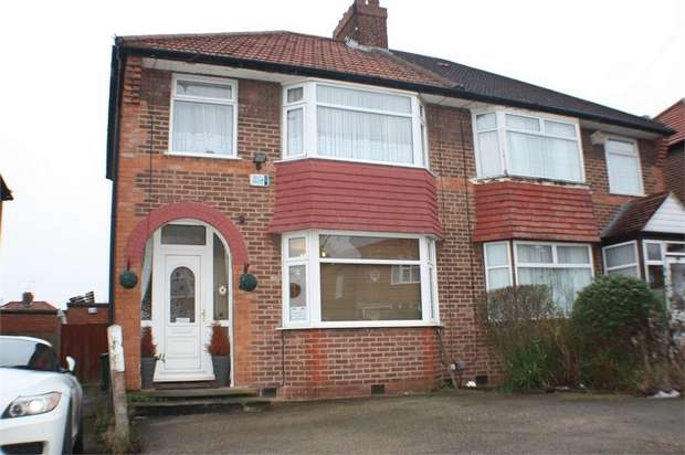 3 Bedrooms Semi Detached House for sale in Orchard Grove, EDGWARE, Middlesex, U.K