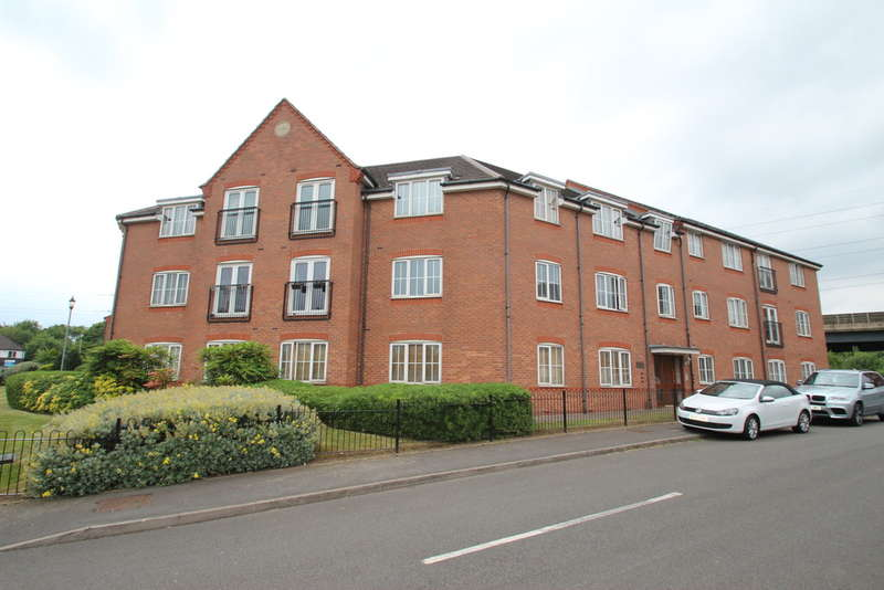2 Bedrooms Flat for sale in Ashwood Close, Oldbury