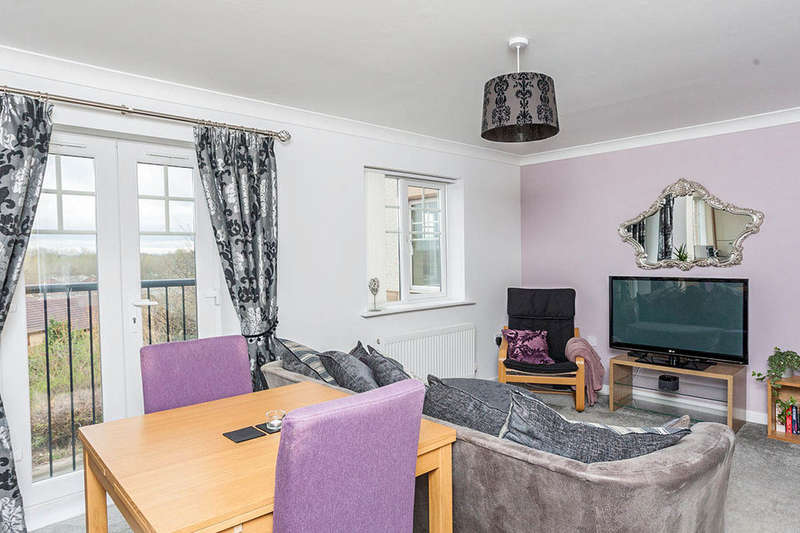 2 Bedrooms Flat for sale in Mickley Close, Wallsend, NE28