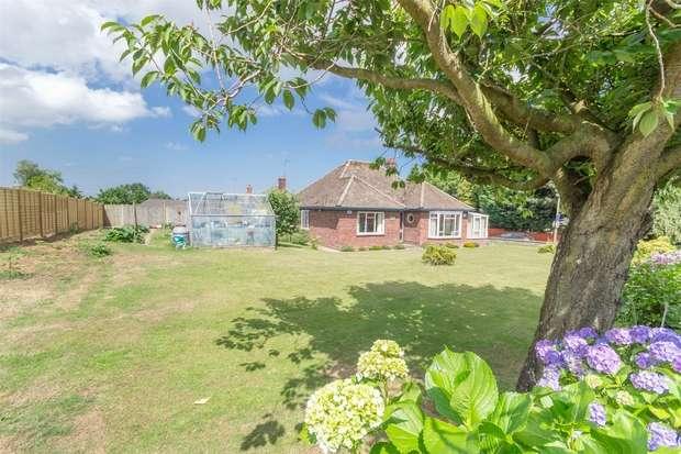 3 Bedrooms Detached Bungalow for sale in 237 Norwich Road, Fakenham