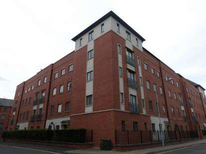 2 Bedrooms Flat for sale in Lincoln House, The Square, Seller Street, Chester, CH1