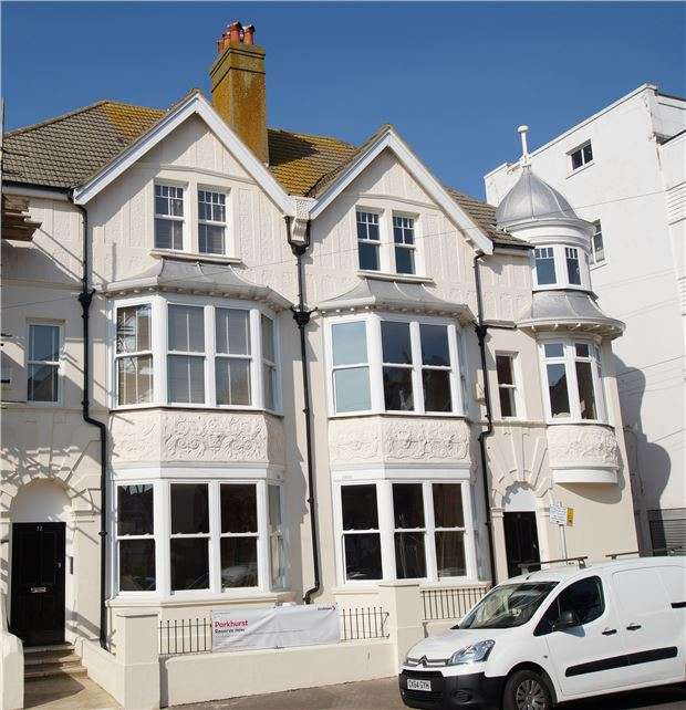 1 Bedroom Flat for sale in Flat 1, 10 Parkhurst Road, BEXHILL-ON-SEA, East Sussex, TN40 1DF