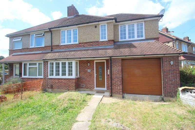 4 Bedrooms Semi Detached House for sale in Cliffe Avenue, Southampton