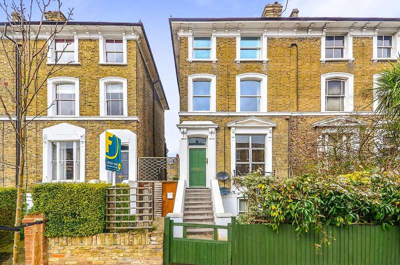 2 Bedrooms Flat for sale in Shaftesbury Road, Crouch End, N19