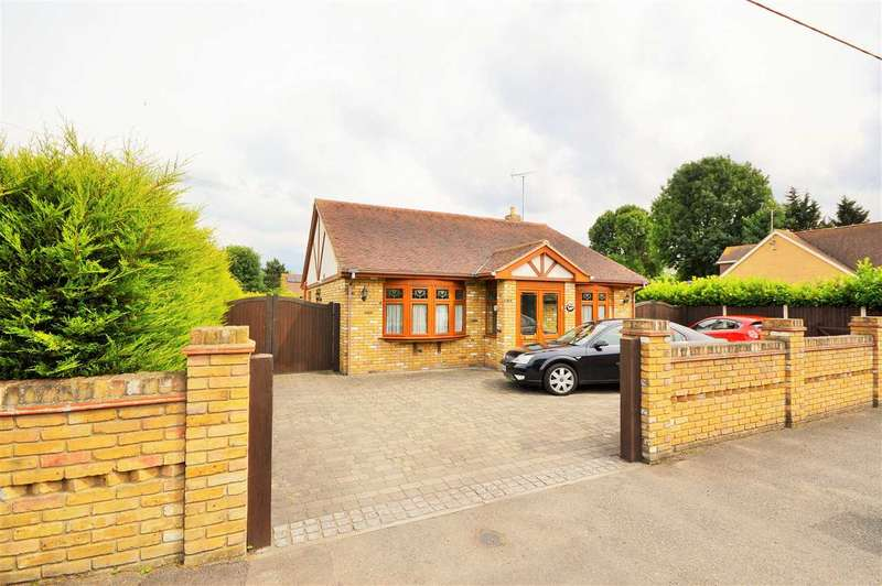 4 Bedrooms Detached Bungalow for sale in Enfield Road