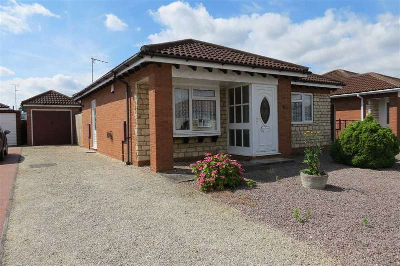 2 Bedrooms Bungalow for sale in Walnutgarth, Sleaford