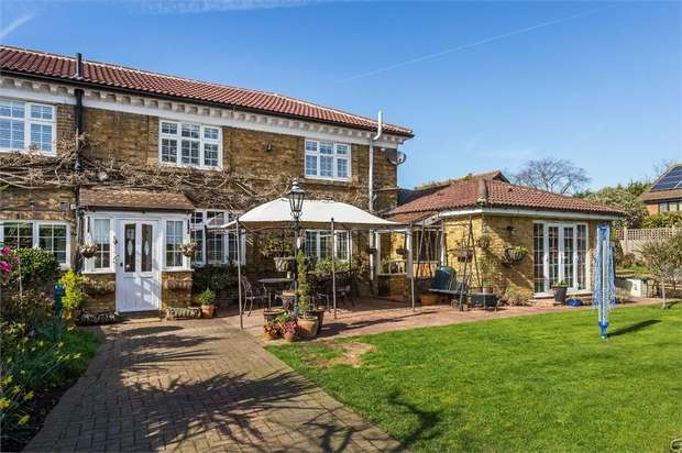 6 Bedrooms Semi Detached House for sale in Bridge Street, WALTON-ON-THAMES, Surrey