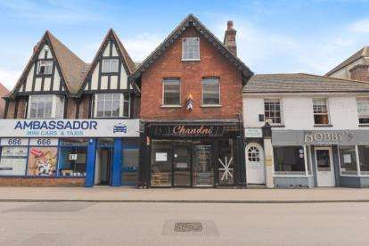 4 Bedrooms Maisonette Flat for sale in High Street, Orpington