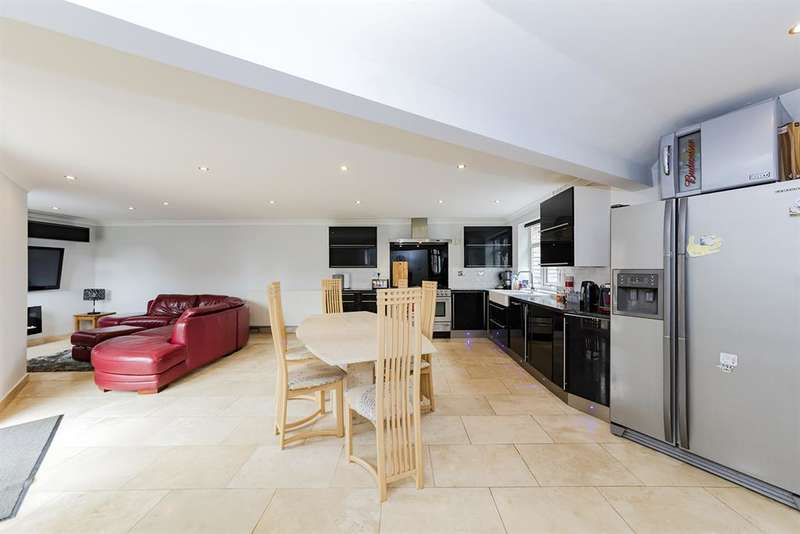 4 Bedrooms Semi Detached House for sale in Northgate, Peverel Road, Worthing, West Sussex, BN14