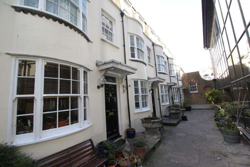 3 Bedrooms Property for rent in Dolphin Mews, Brighton, BN2