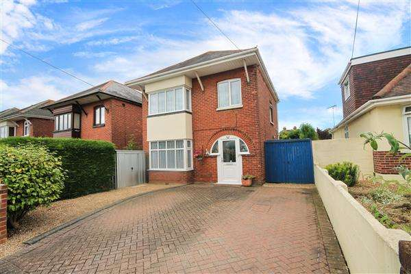 3 Bedrooms Detached House for sale in Stanley Green Road, Poole