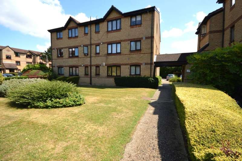 1 Bedroom Flat for sale in Courtlands Close, Watford, WD24
