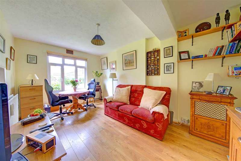 2 Bedrooms Property for sale in Brixton Hill Court, Brixton Hill, Brixton