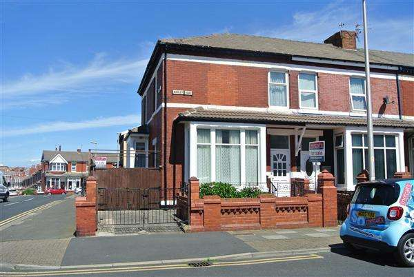 5 Bedrooms End Of Terrace House for sale in Warley Road, Blackpool