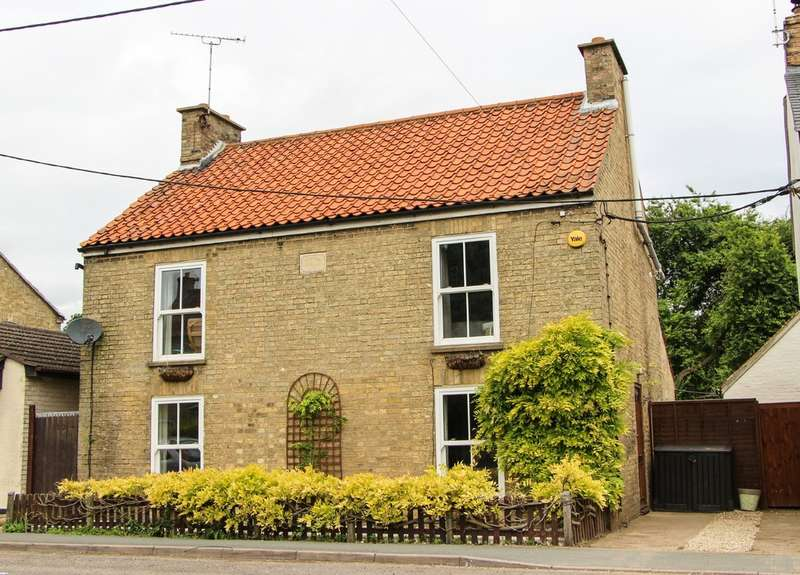 4 Bedrooms Detached House for sale in Wicken, Cambridgeshire