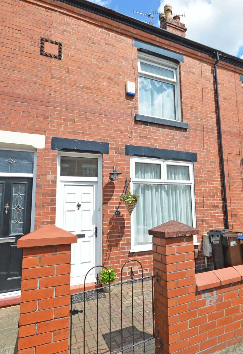 3 Bedrooms Terraced House for sale in Claremont Road, Great Moor