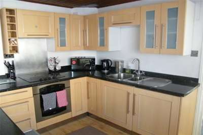 4 Bedrooms House for rent in Cyfarthfa Street, Roath, Cardiff