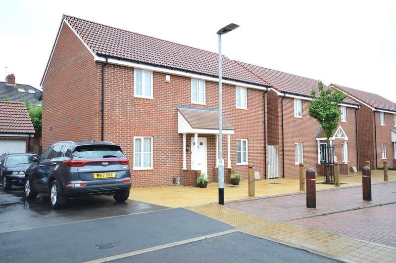 4 Bedrooms Detached House for sale in John Hall Close, Bristol, Somerset, BS14