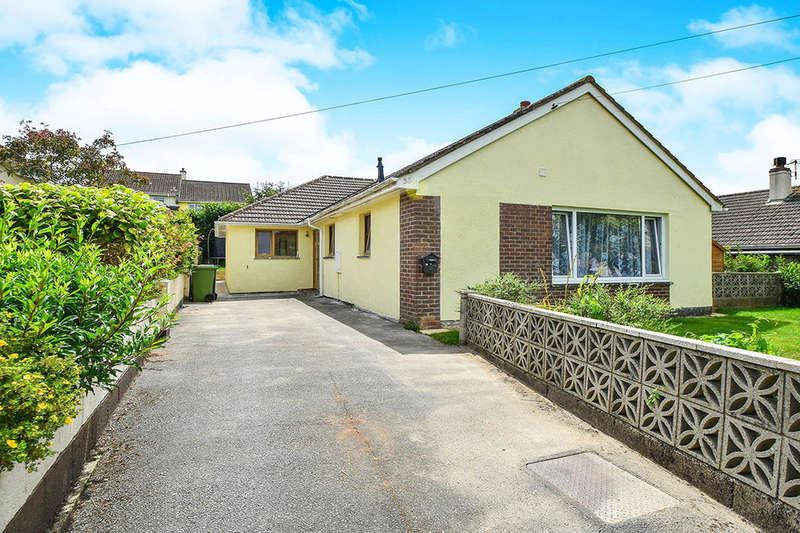 3 Bedrooms Detached Bungalow for sale in Tarrs Avenue, Kingsteignton, Newton Abbot, TQ12