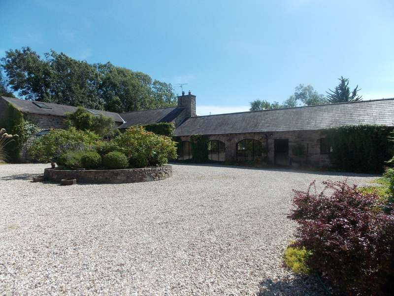 5 Bedrooms Detached House for sale in The Old Barns & Old Barns Cottage, Plas Berw, Pentre Berw