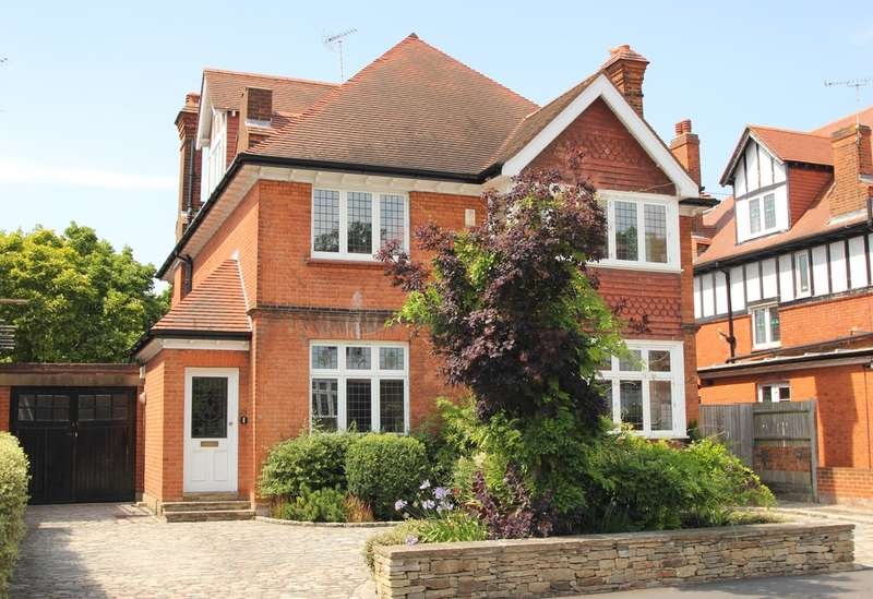 5 Bedrooms Detached House for sale in Walpole Road, Surbiton