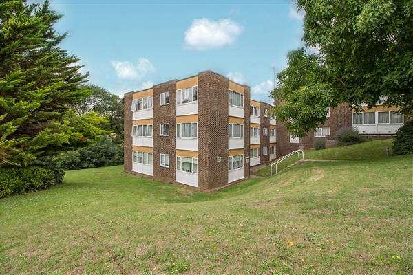 1 Bedroom Apartment Flat for sale in Hillside, Hoddesdon
