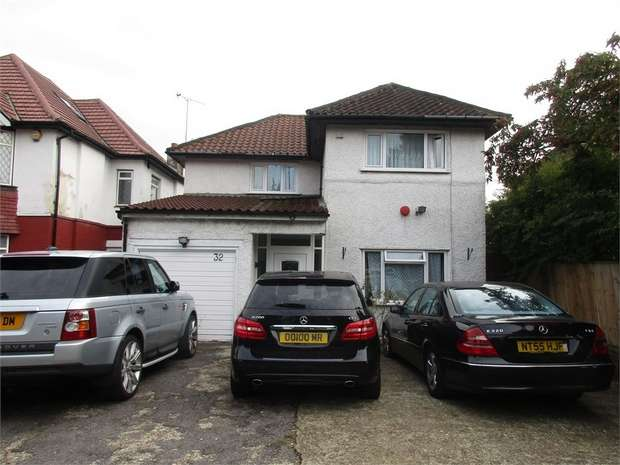 4 Bedrooms Detached House for sale in Forty Avenue, WEMBLEY PARK