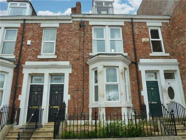 3 Bedrooms Maisonette Flat for sale in Brighton Road, Gateshead, Tyne and Wear