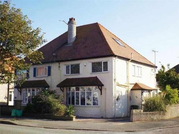 4 Bedrooms Semi Detached House for sale in Bryniau Road, Llandudno, Conwy