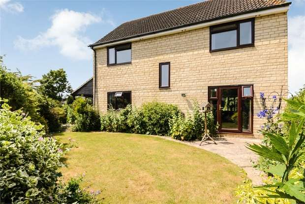 4 Bedrooms Detached House for sale in The Cursus, Lechlade, Gloucestershire