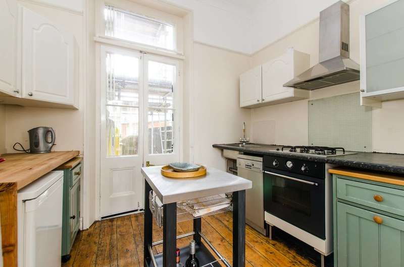 2 Bedrooms Flat for sale in Sisters Avenue, Clapham Common North Side, SW11