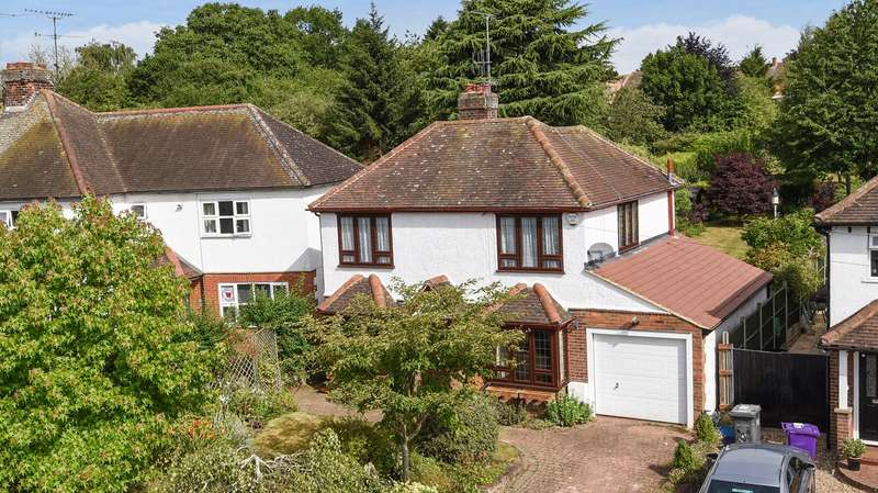 3 Bedrooms Detached House for sale in High Street, Kimpton, Hitchin, SG4
