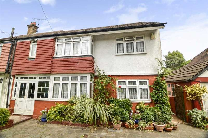 4 Bedrooms Semi Detached House for sale in Sandy Lodge Way, Northwood