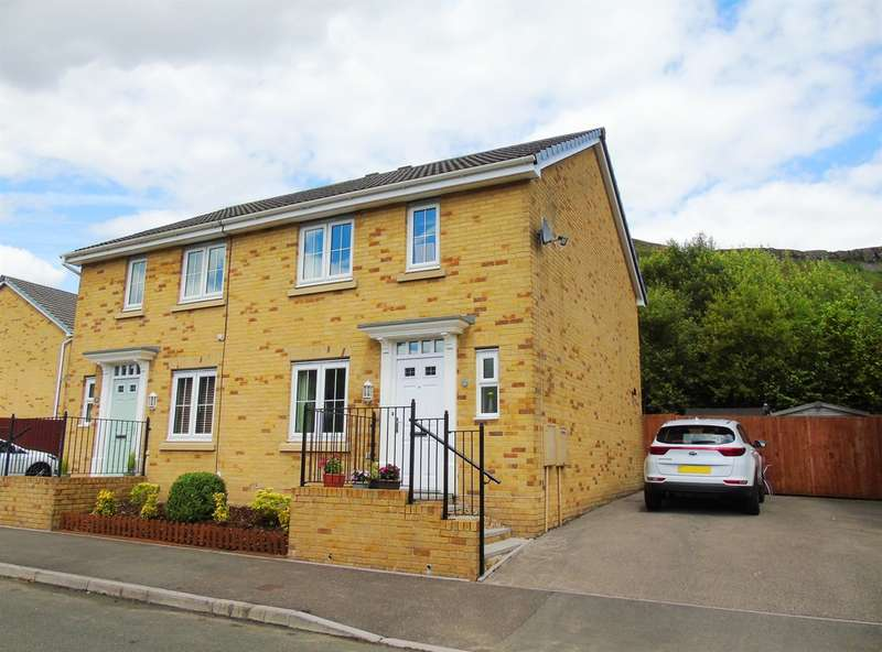 3 Bedrooms Semi Detached House for sale in Heol Dinas Isaf, Williamstown, Tonypandy