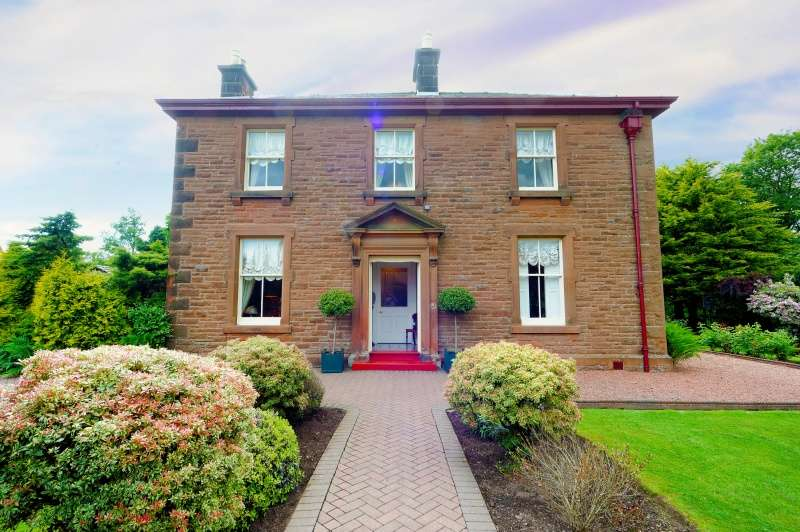 4 Bedrooms Detached Villa House for sale in Douglas Terrace, Lockerbie, Dumfries and Galloway, DG11 2DZ
