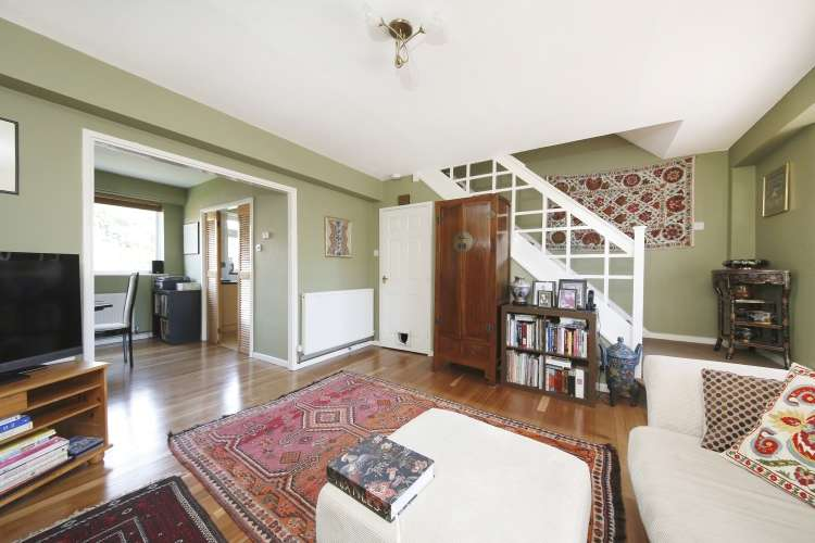 2 Bedrooms Maisonette Flat for sale in Fairby Road Lee SE12