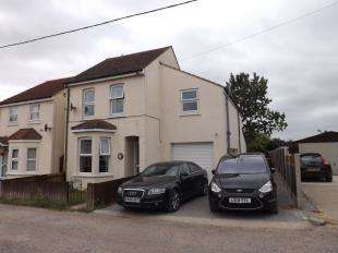 4 Bedrooms Detached House for sale in Symonds Road, Cliffe, Rochester, Kent